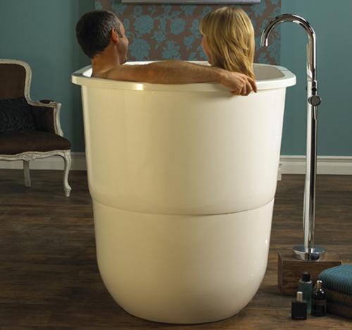 Japanese Soaking Tub For Small Bathrooms