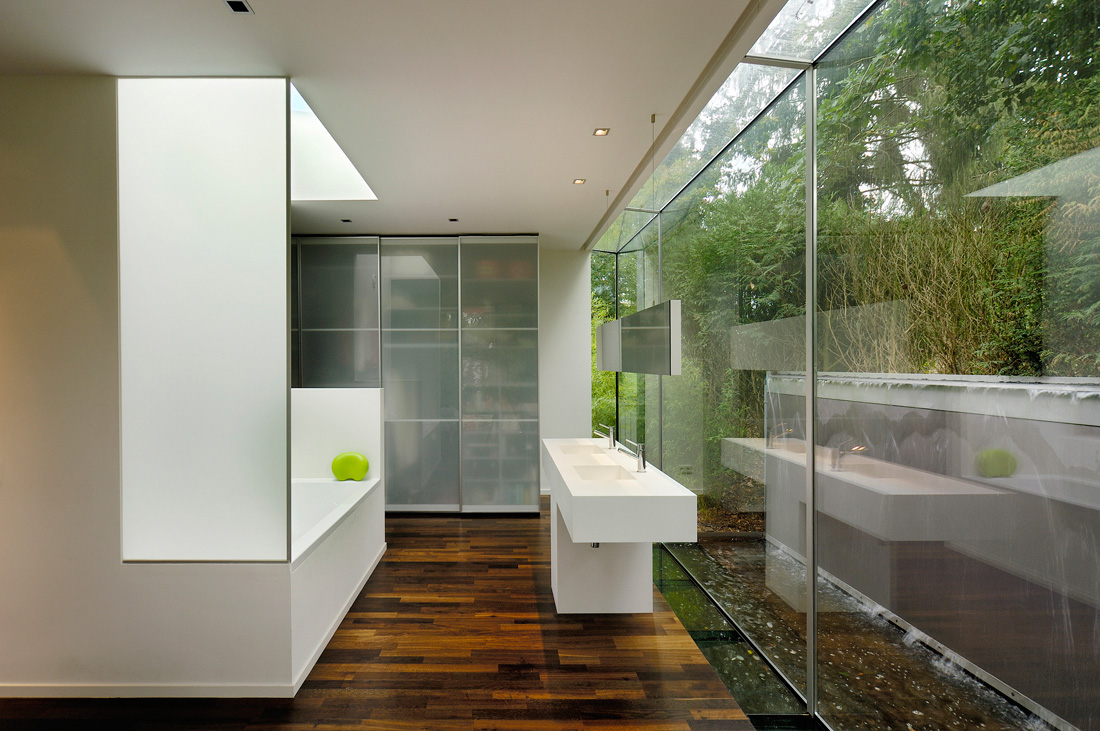 The indoor outdoor bathroom pivotech for Window wall