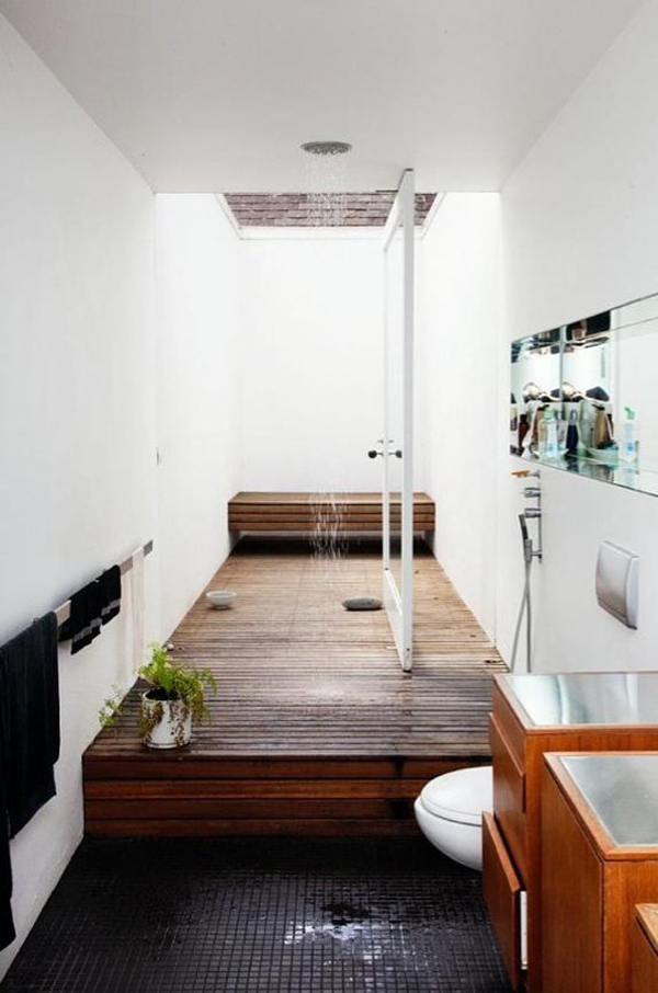 The indoor/outdoor bathroom
