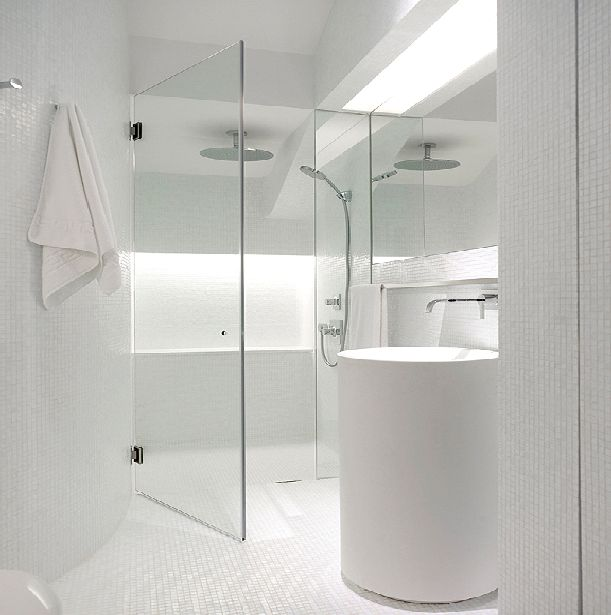 Bathroom Ideas White Tub : Pure and crisp white bathrooms pivotech