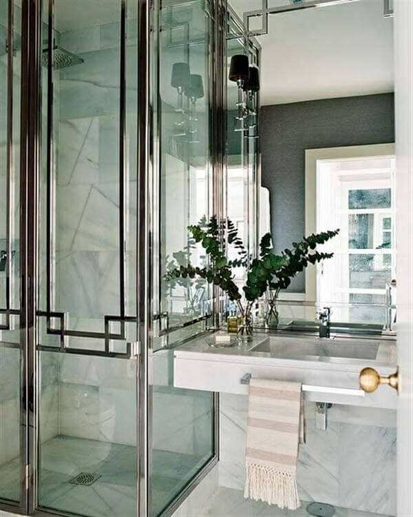 How To Get The Hollywood Regency Look In Your Bathroom