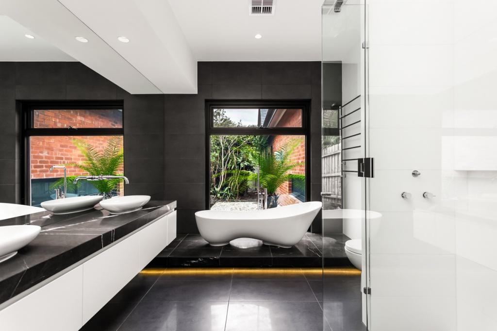frameless shower screens and hardware