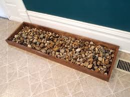 boot tray with stones