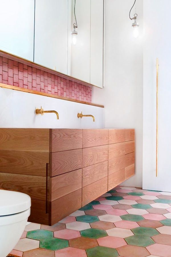 Pivotech colour bathroom4