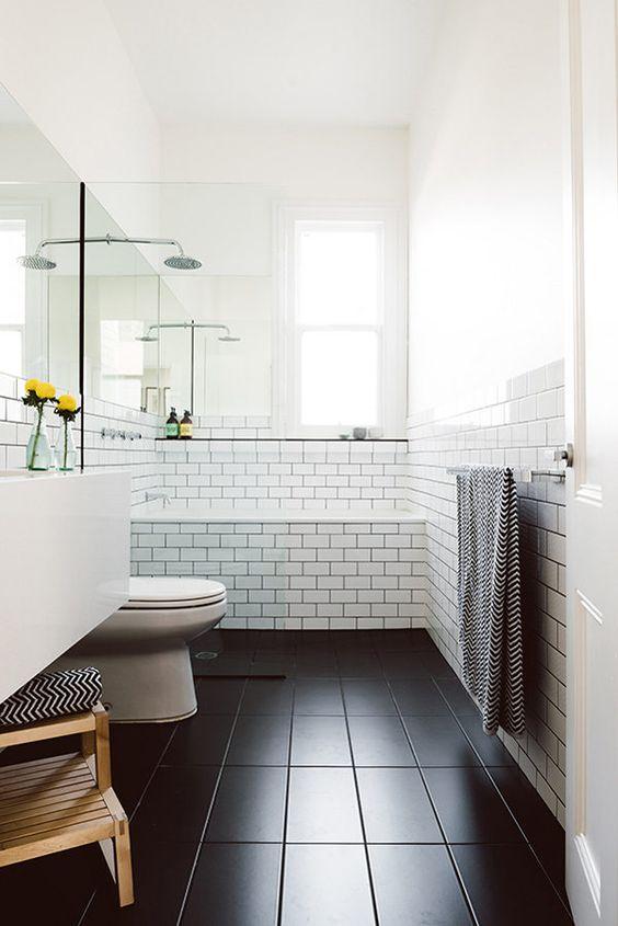 whitebathroom_pivotech4