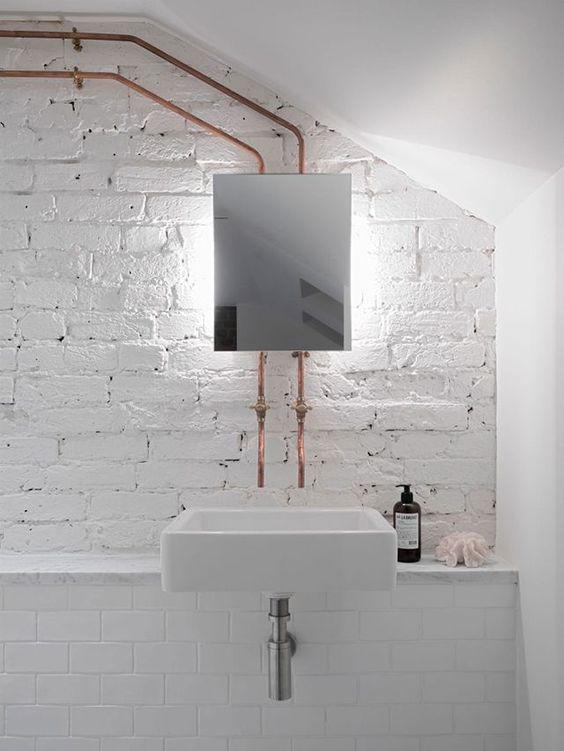 whitebathroom_pivotech5