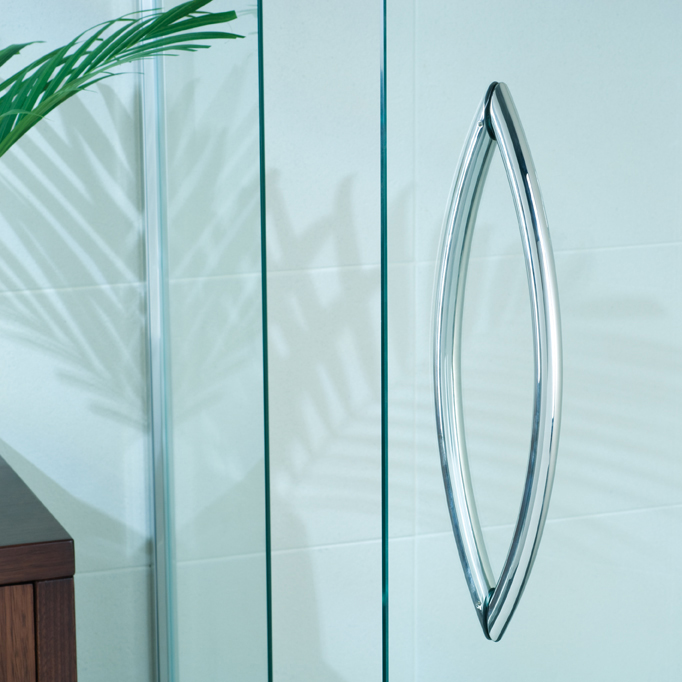 semi frameless shower screen and handle