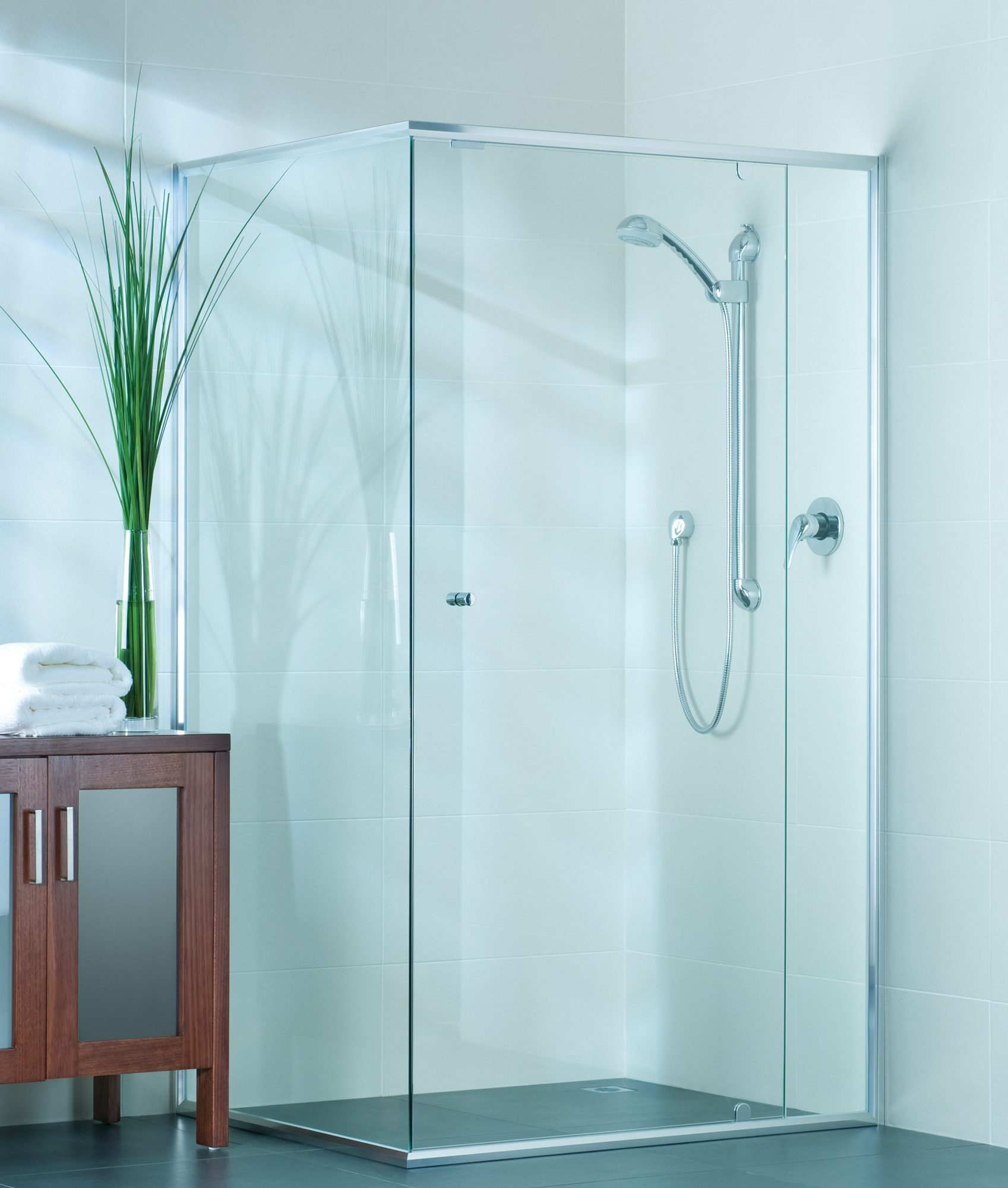 semi frameless single shower doors 2. to expand suit larger, family bathrooms, while keeping the door at a comfortable size. semi-frameless and glass panel feel spacious. semi frameless single shower doors 2